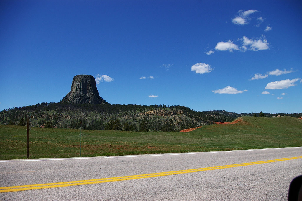 025-devils-tower-01.jpg
